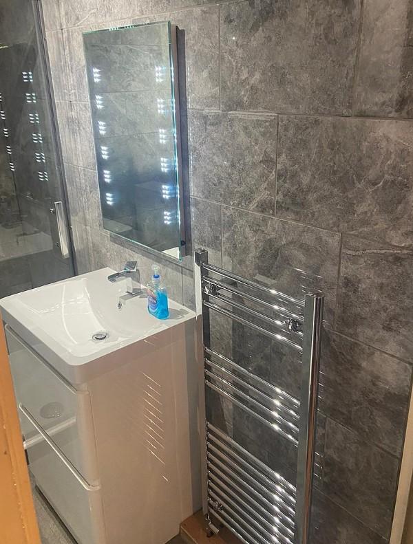 Bathroom Light Up Mirror